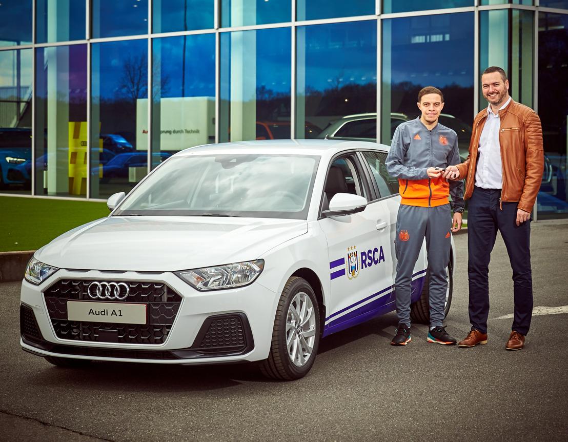 Audi levert een A1 Sportback aan de e-sportspeler van RSC Anderlecht
