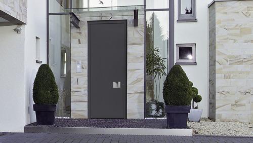 Portes d'entrée hautes au look moderne et élégant