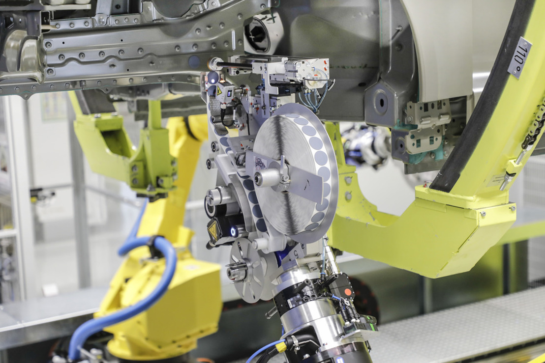 Innovation in the paint shop reduces strain on employees and increases product quality