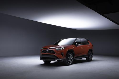 NIEUWE RAV4 PLUG-IN 2021 IN DE STARTBLOKKEN OP DE LOS ANGELES AUTO SHOW