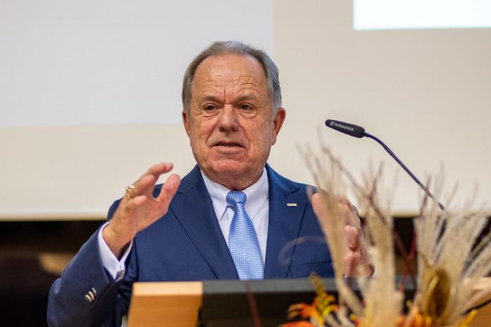 Prof. Dr. Jörg Sennheiser erhält den Garbsener Ehrenring