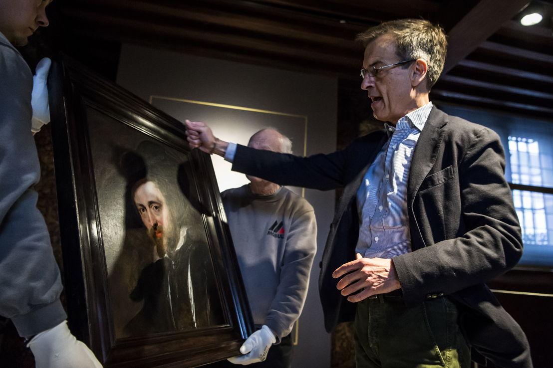 5_Peter Paul Rubens, Zelfportret, Rubenshuis Antwerpen, presentatie gerestaureerd werk aan directeur Ben van Beneden, opname 13 april 2018, foto Sigrid Spinnox