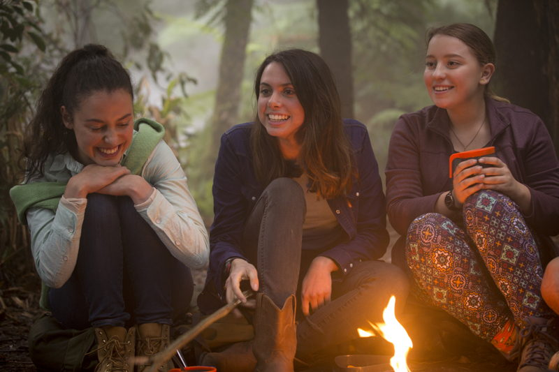 TWTWB Ep 101 - Madeleine Clunies-Ross (Fi), Molly Daniels (Ellie) and Fantine Banulski (Robyn)