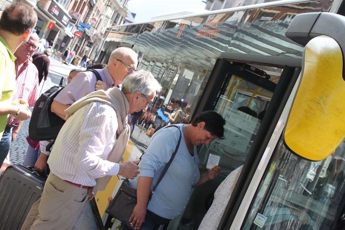 Opstappende reizigers Leuven