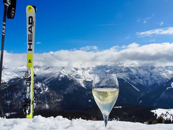 Trentodoc sulle Dolomiti: in Val di Fassa prende avvio la manifestazione invernale che presenta in degustazione il metodo classico trentino