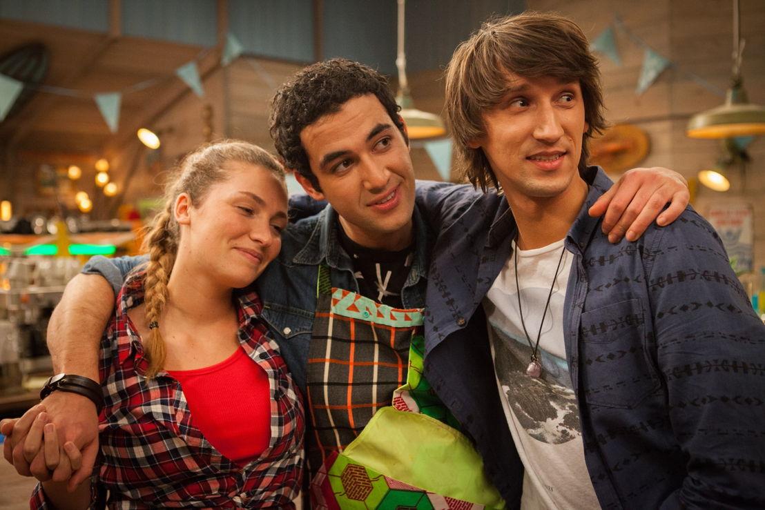 De regel van 3s:  Dorien De Clippel (Roos), Yassine Ouaich (Hassan), Samuël Anastasi (Dries) - (c) VRT