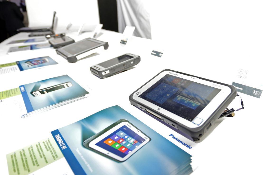 Dispositivos móviles ultrarresistentes Toughbook y Toughpad
