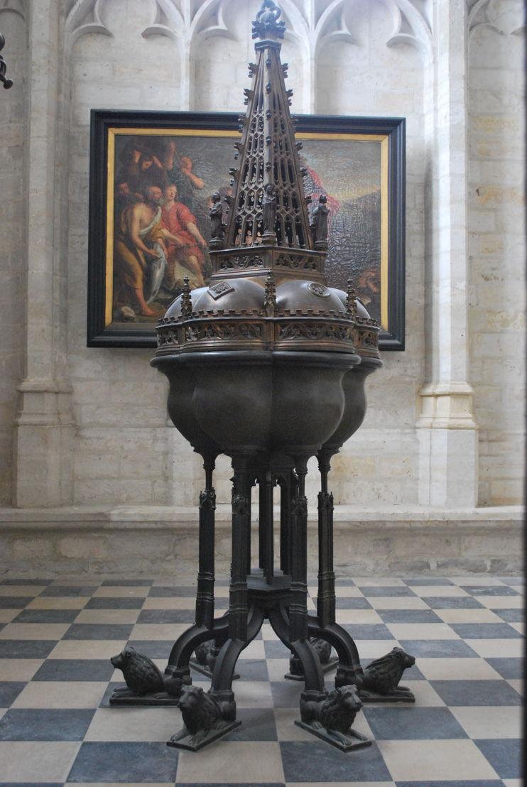 Kapel van het brouwersambacht met doopvont<br/>Foto (c) M-Museum Leuven
