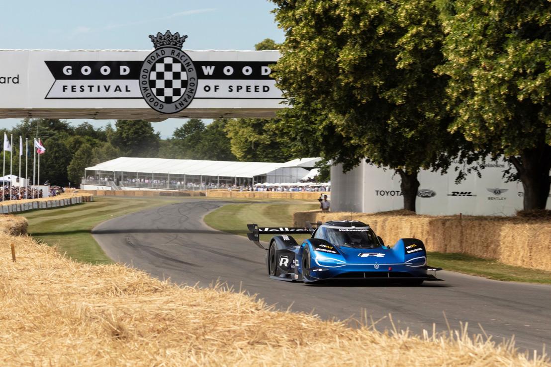 Plus rapide qu'une Formule 1 : nouveau record pour la Volkswagen ID.R à Goodwood (Traduction)