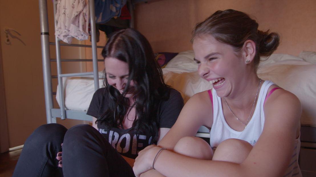 Kristel en Chelsey maken plezier - (c) Sylvester