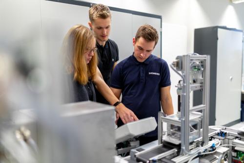 Siemens Industry Academy viert driejarig bestaan