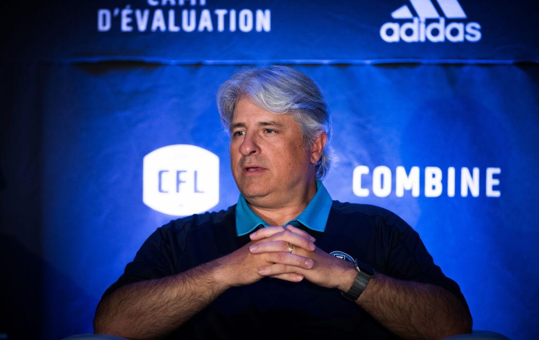 Jim Popp lors de la conférence de presse des opérations football. Crédit : Johany Jutras/LCF