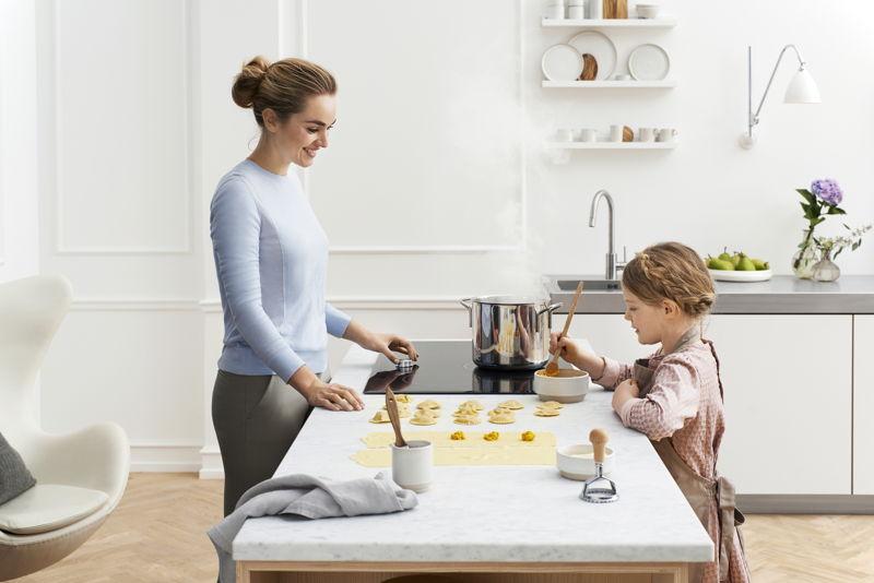 •Bij meer dan de helft van de Nederlanders (51%) behoort koken en goed eten tot de favoriete hobby's