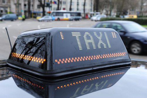 Taxi plan: towards consumer-friendly and reliable services