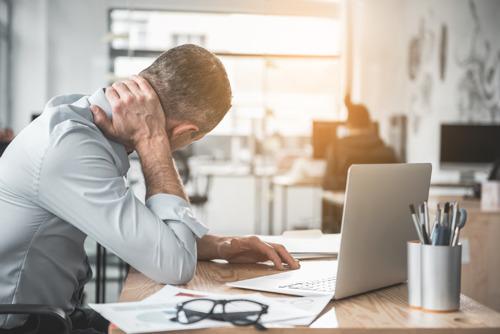 Les absences pour cause de douleurs physiques coûtent chaque année 3 159 euros en moyenne par employé