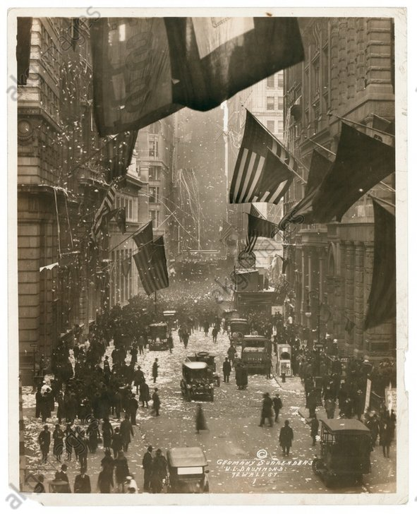 End of World War I (armistice on the 11.11.1918). Celebrations at New York Wall Street.<br/>AKG894620
