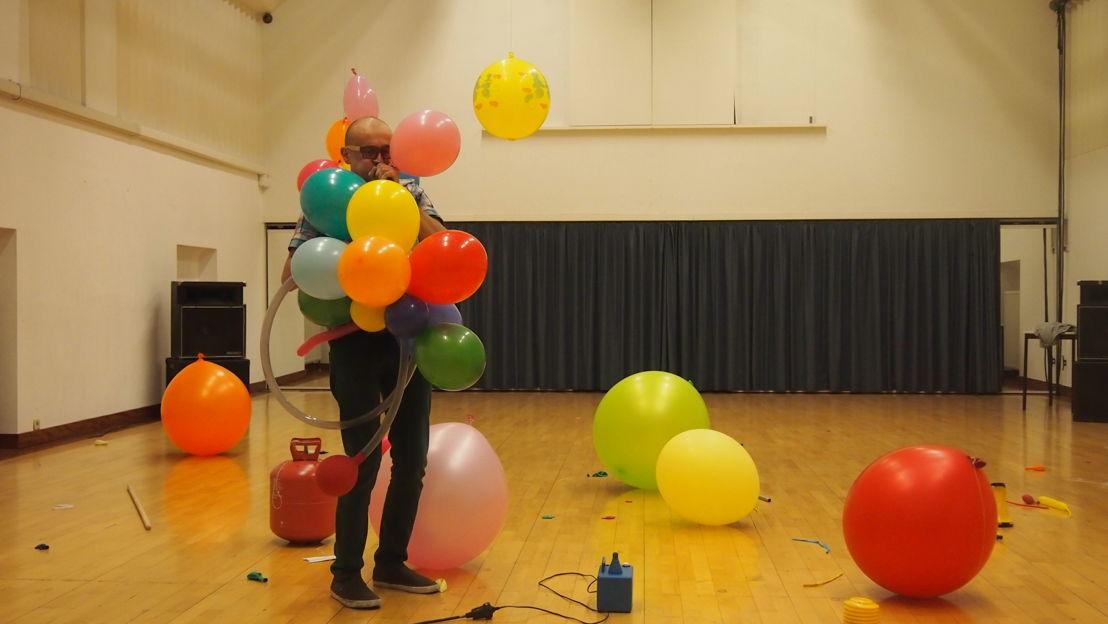 nr. 41: performance Gaëtan Bulourde - Balloons (3+)