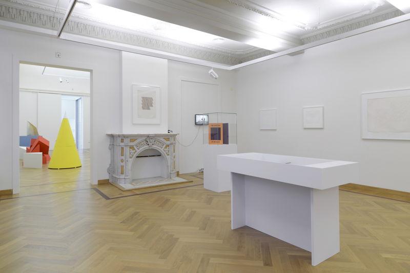 Vue de l'exposition Guy de Cointet au M-Museum Leuven (c) Isabelle Arthuis
