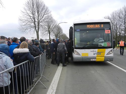 Wielerliefhebbers massaal naar de Ronde met De Lijn