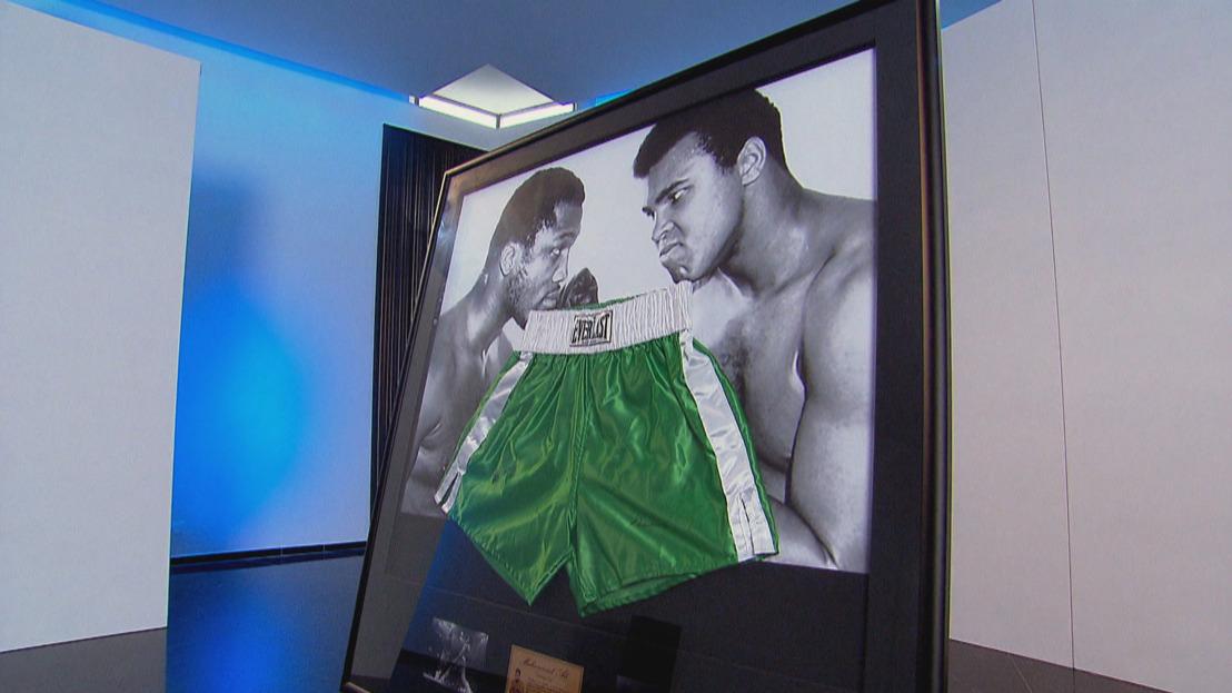 Dealers halen hun vuisten boven voor boksbroek gesigneerd door Muhammad Ali en Joe Frazier