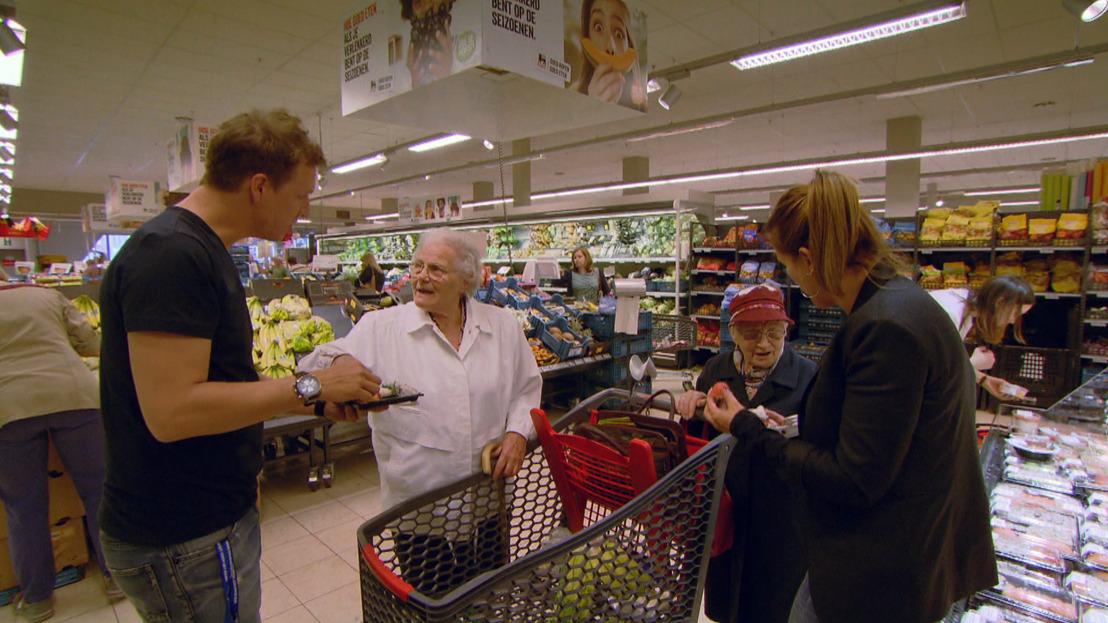 Karen en James leren senioren kennis maken met sushi