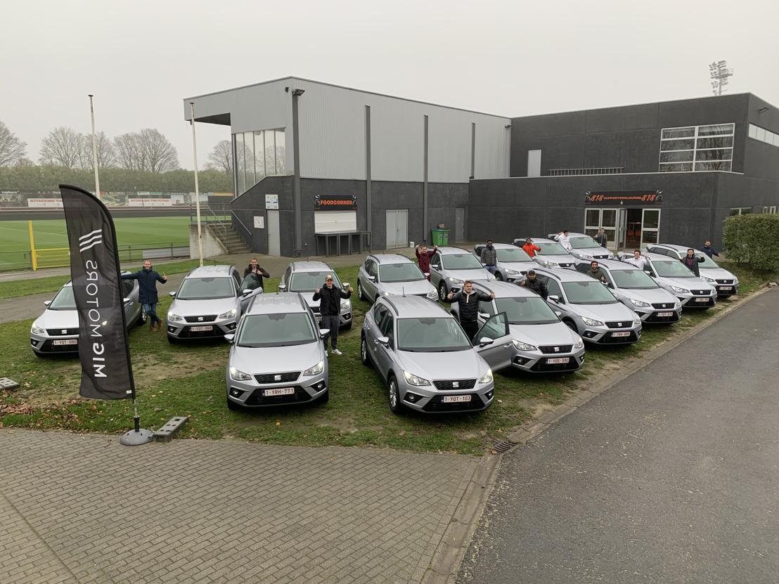 Les joueurs et le staff du KMSK Deinze choisissent la SEAT Arona