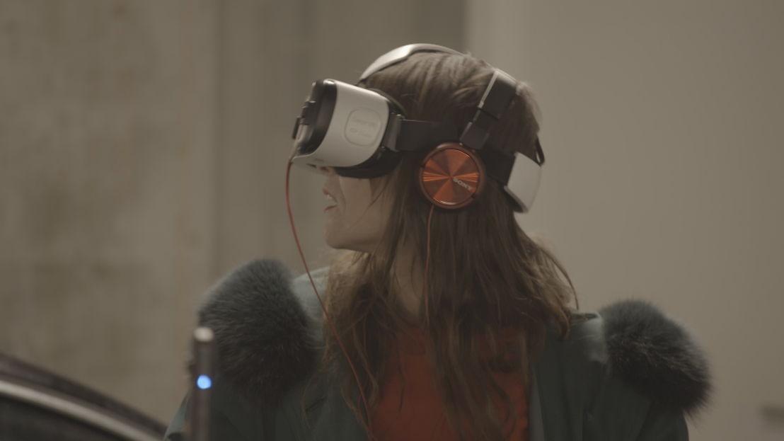 Het leven door een virtuele bril- Koppen (c) VRT