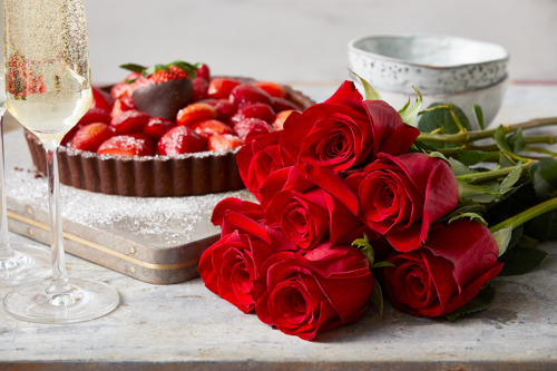 The Fresh Market spreads the love with sweet and savory sampling events to spice up Valentine's Day