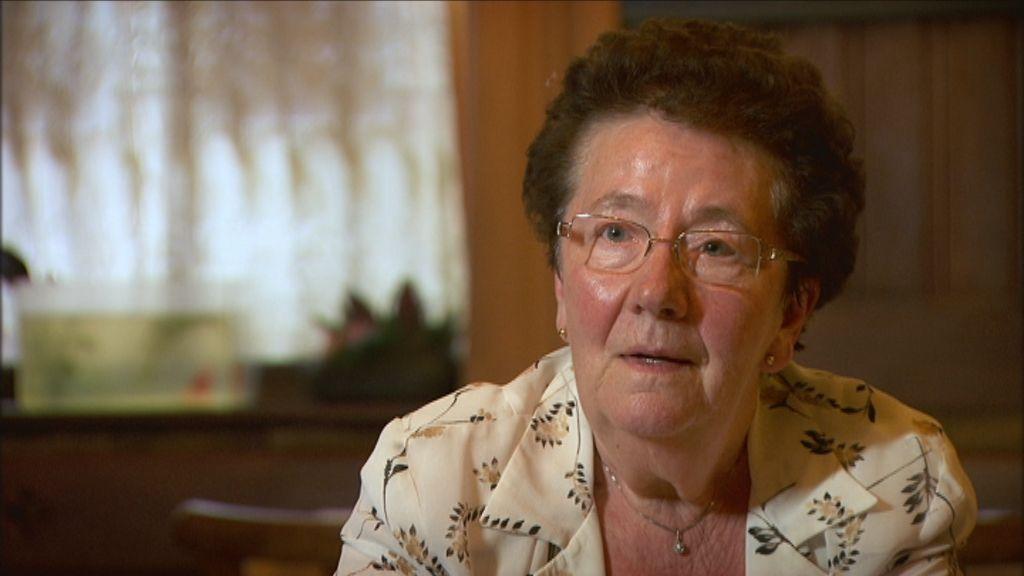 De werkende mens - Aflevering 2 : Vrouwen op de rand van ... - Stakingleidster Annie Verhoeyen nu - (c) VRT