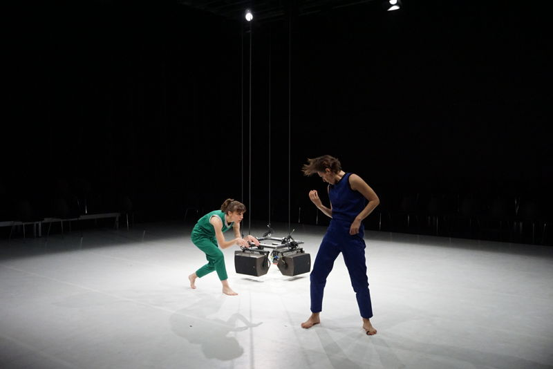 DD Dorvillier & Sébastien Roux - Only One of Many - 27>28/04 © Félicie Barbey