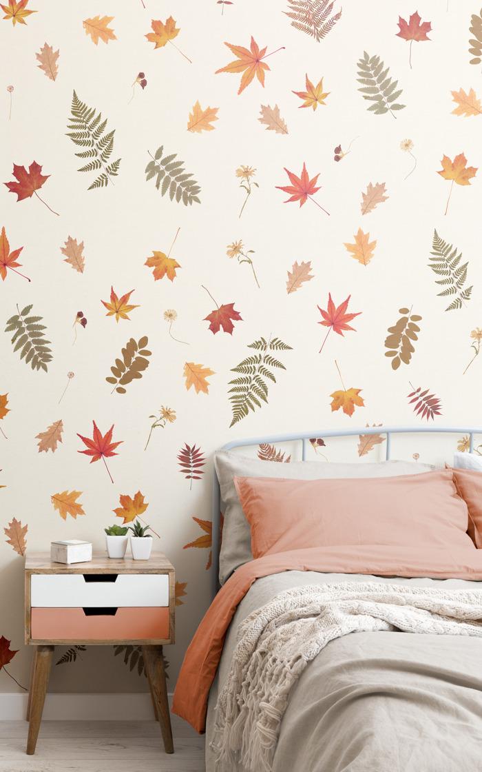 Este papel pintado con hojas prensadas es la nueva forma de traer la belleza del otoño al interior