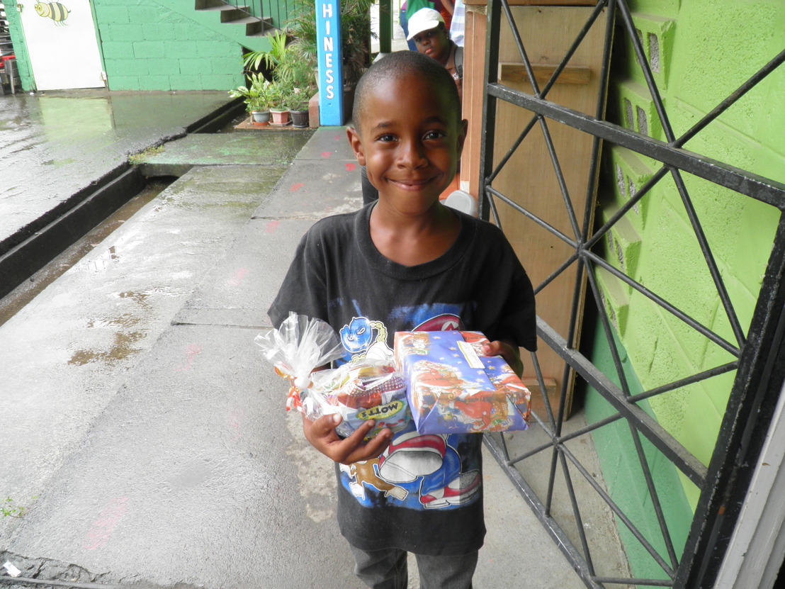Spreading Christmas cheer to Dominican children affected by hurricane Maria