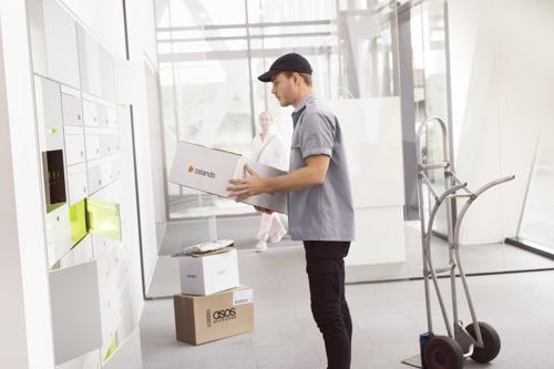 Bringme et Schindler visent l'installation d'un concierge automatique dans chaque immeuble