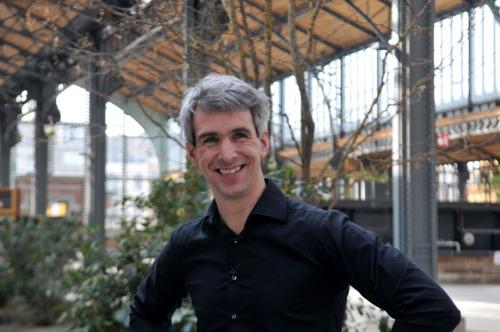 VUB-professor Jonathan Holslag deelt wereldinzichten met Nic Balthazar