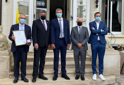 Vlaamse Regering erkent medewerkers Pfizer in België voor hun bijdrage in de strijd tegen Covid-19