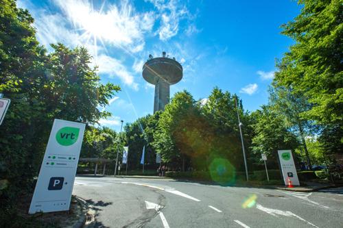 VRT sluit samenwerkingsovereenkomst met het Vlaamse Gebarentaalcentrum
