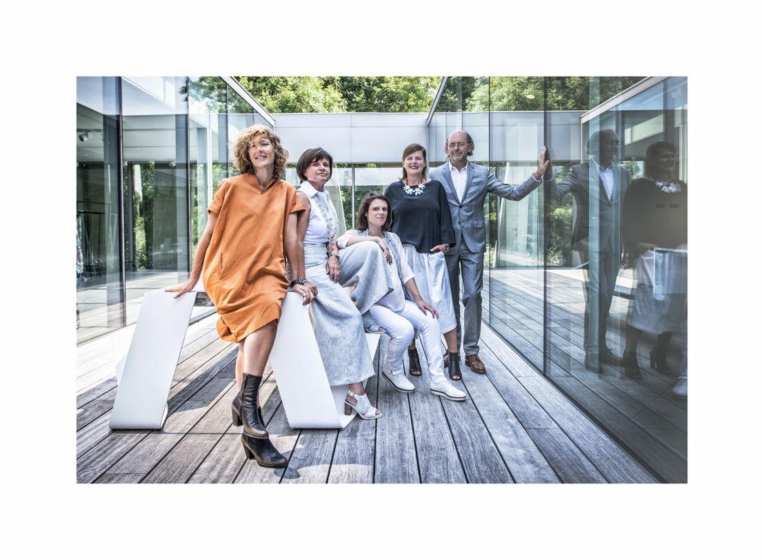 v.l.n.r.: Lizbeth Nowé, Veerle Baert-Moortgat, Elke Baert, Dorine Tanghe en Guy Mortreu