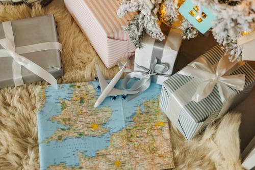 Каждый пятый россиянин выбирает путешествие в подарок