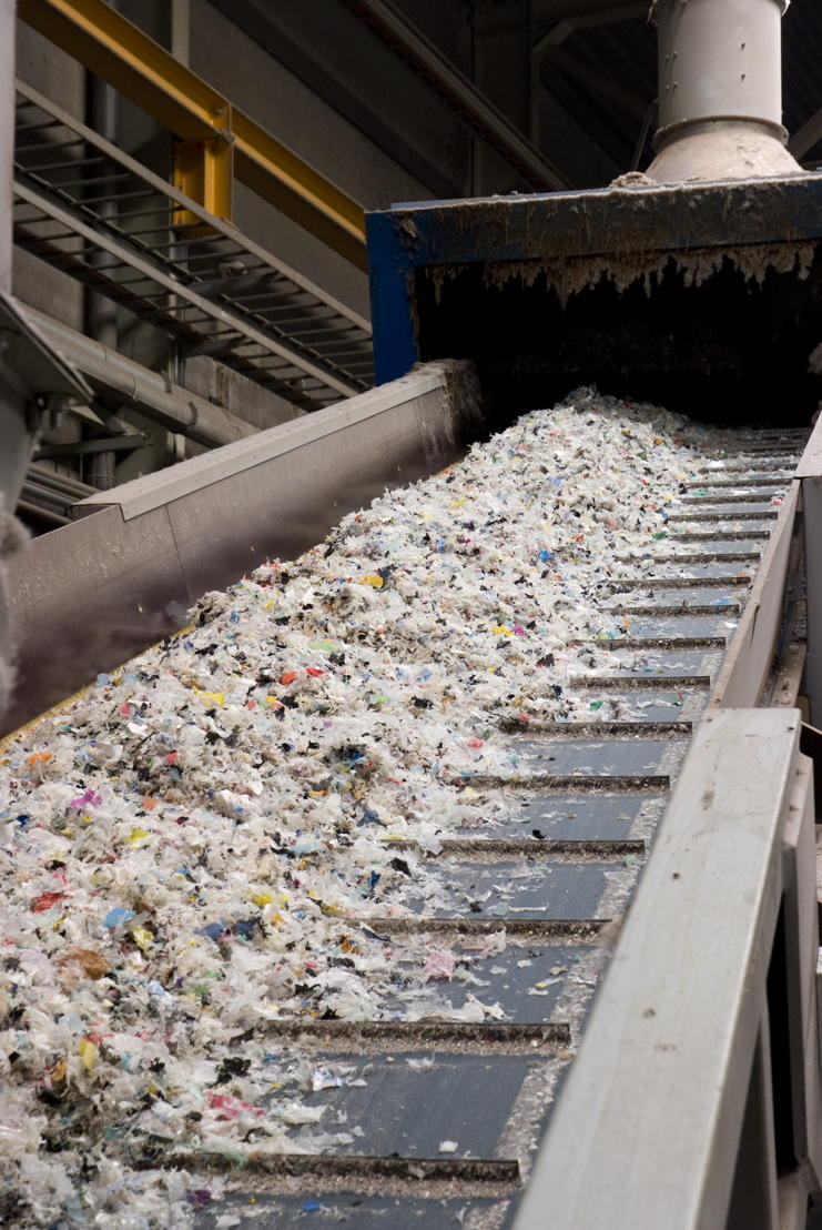 Verwerking huishoudelijke plastics bij ECO-oh! in de fabriek in Houthalen-Helchteren