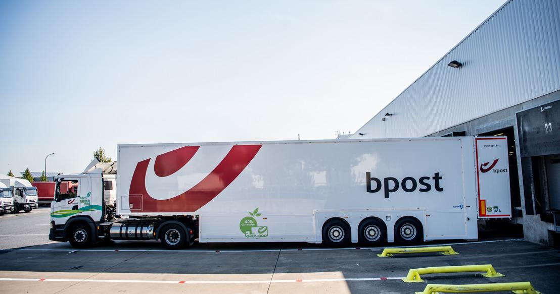 30% minder vrachtwagens op de baan dankzij dubbeldeck opleggers. bpost group zorgt voor primeur voor pakjessector in België
