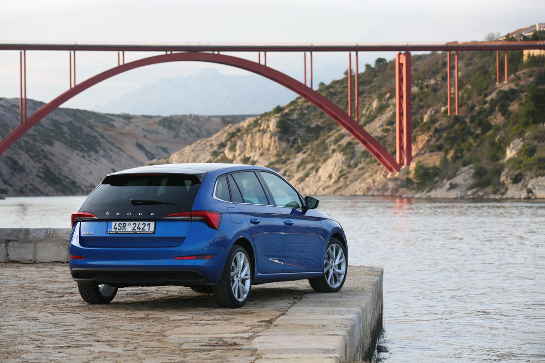 Race Blue and Quartz Grey on trend: the most popular colours for the ŠKODA compact models SCALA and KAMIQ