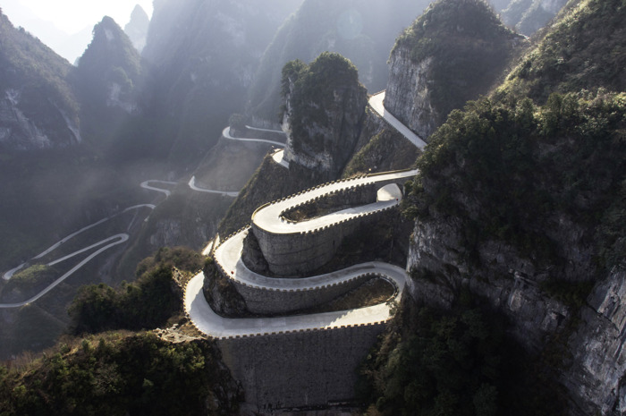 China Challenge: Volkswagen ID. R op de 'way to heaven'