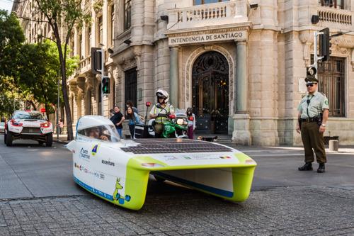 Belgisch Solar Team staat op kop na eerste racedag