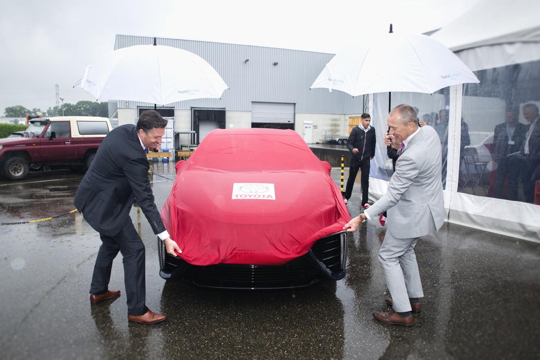 En Belgique, Toyota fournit sa première voiture à hydrogène (Mirai) à Hydrogenics