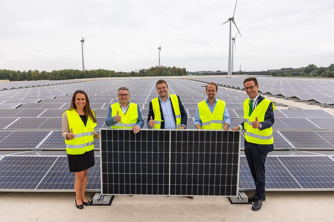 Le Puurs Logistics Centre produit de l'électricité verte locale grâce à 7 120 panneaux solaires de Luminus