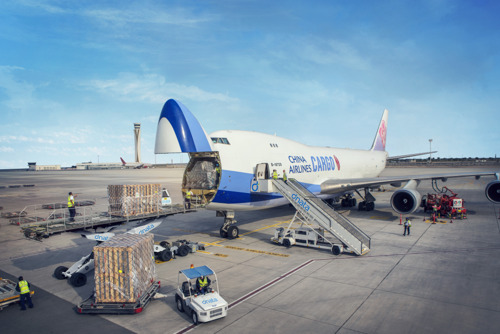 dnata exceeds one million tonnes of cargo handled at Dubai World Central