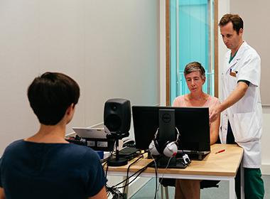 Eerste Vlaamse patiënten krijgen onzichtbaar gehoorimplantaat