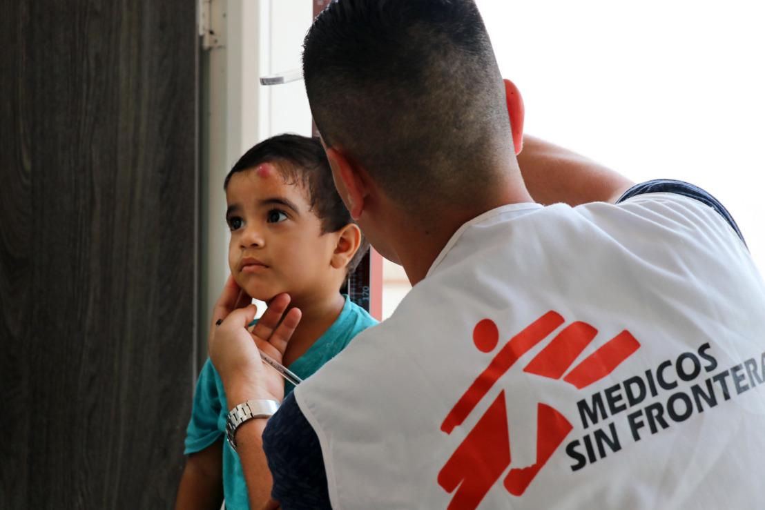 Grosse medizinische Bedürfnisse venezolanischer Flüchtlinge in Kolumbien und Venezuela