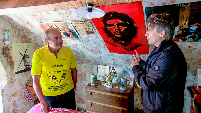 """""""Dit was de moeilijkste reportage van mijn leven"""": Luk Alloo bezoekt drie verwoede verzamelaars in nieuwe aflevering van 'Alloo'"""