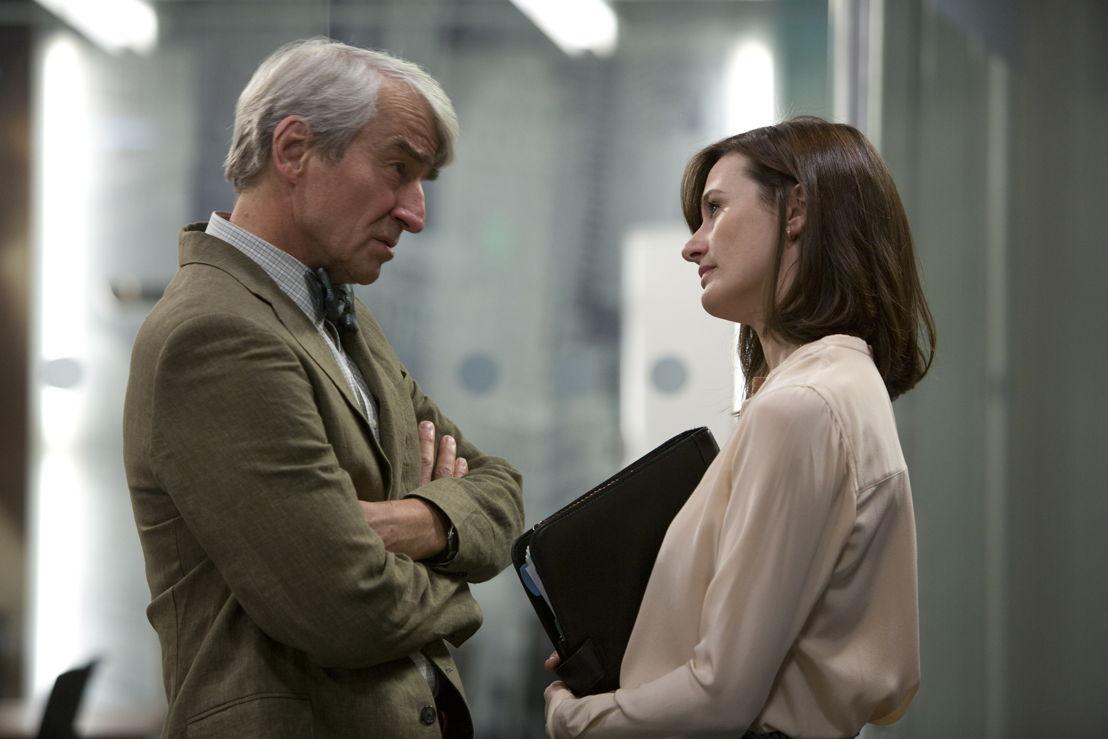 The Newsroom - Sam Waterston (Charlie Skinner) en Emily Mortimer (MacKenzie McHale)  - (c) VRT / HBO